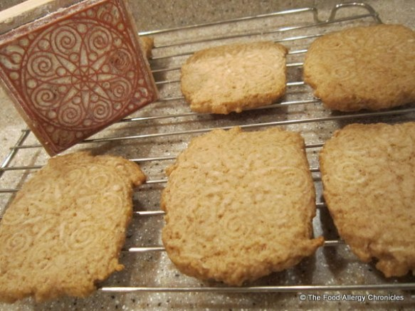 cooling dairy,egg and peanut/tree nut free speculaas cookies with stamp