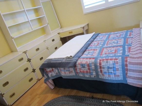 Guest bedroom clutter free