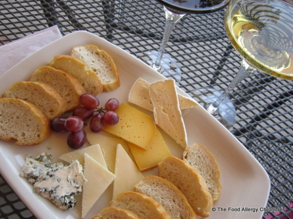 Our cheese platter lunch at Pondview Winery Niagara on the Lake 2012