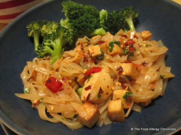 Fish, Shellfish, Egg and Peanut/Tree Nut Free Pad Thai with broccoli