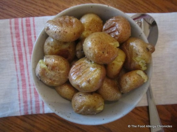 Roasted little potatoes with olive oil and salt