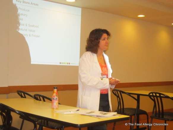 Registered Dietitian, Lisa Ireland speaking at Allergy Class at Pickering Loblaw store